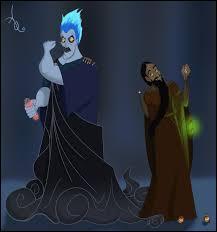 Raspoutine est dans sa cachette. Il prépare un sort pour attaquer la princesse. Il se retourne et voit un homme avec une flamme bleue sur la tête. Qui est-il ?