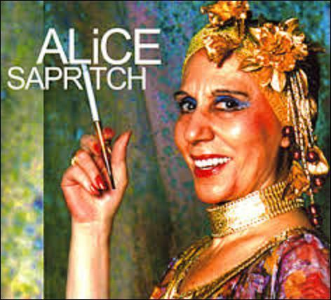 """Actrice d'origine arménienne, Alice Sapritch née le 29 juillet 1916, à Ortaköy (Turquie). Tournant dans 43 films, 19 téléfilms et 13 pièces de théâtre, elle reste célèbre grâce à ses apparitions à l'émission des """"Grosses têtes"""", dans des spots publicitaires ou les imitations de Thierry le Luron, elle s'éteint le 24 mars 1990, à Paris. Dans quel film avec Louis de Funès n'a-t-elle pas joué ?"""