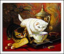 Que fait le chat blanc ?