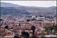 Située à 2 780 mètres d'altitude la ville de sucre est l'une des capitales les plus hautes de la planète : où se situe-t-elle ?