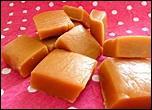 Que peut-on ajouter au caramel pour obtenir un caramel mou ?