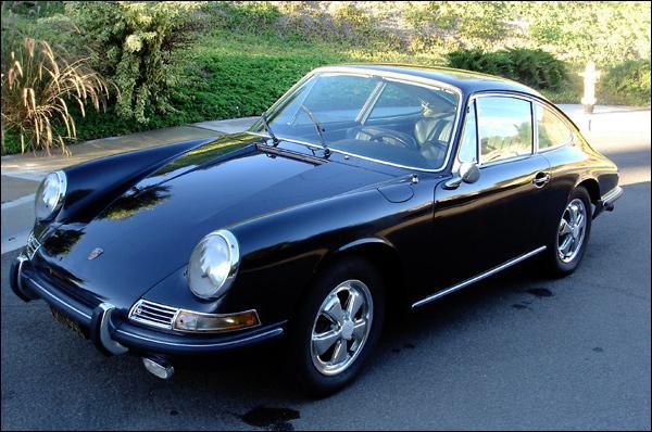 En quelle année est sortie la première automobile de la longue lignée des Porsche 911 ?