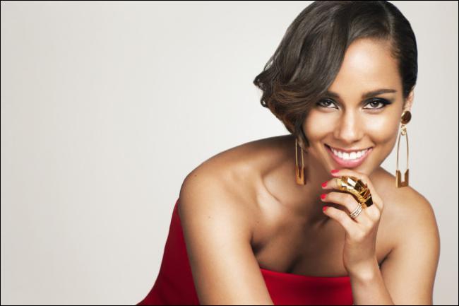 Un peu plus haut pour Alicia Keys : normal, elle chante dans l'aigu ! Combien se monte son Q.I. ?
