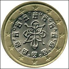 Comme la question 1, c'est la monnaie d'un pays voisin du nôtre, sans toutefois le toucher, c'est celle du / de la / de l' :
