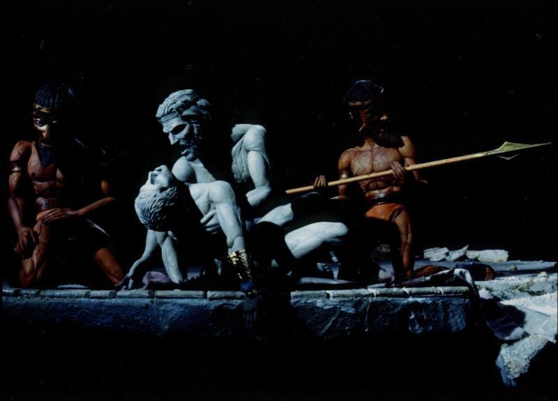 Qui est ce héros grec de la guerre de Troie, pleurant Patrocle, son ami et amant tué par le prince Hector ?
