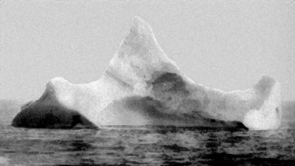 Voici un iceberg célèbre et maudit. À quoi est-il relié pour créer un émoi avec cette photographie de 1912 retrouvée ?