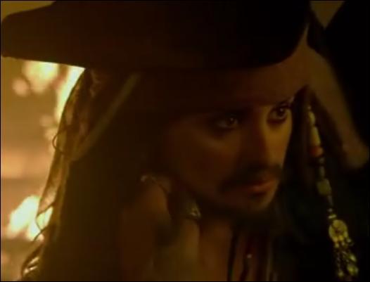 """Dans """"Pirates des Caraïbes 4"""" , comment se nomme la femme qui se déguise en Jack Sparrow ?"""