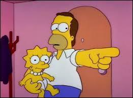 Qui Homer tient-il dans ses bras ?