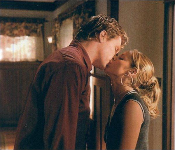 Quel est l'événement majeur qui mène à la rupture de Buffy et Riley ?