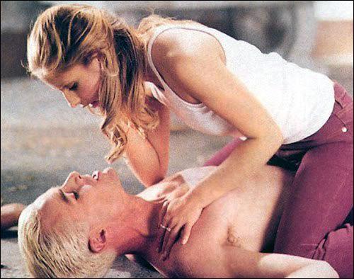 Spike déclare sa flamme à Buffy, et pour cela il est prêt...