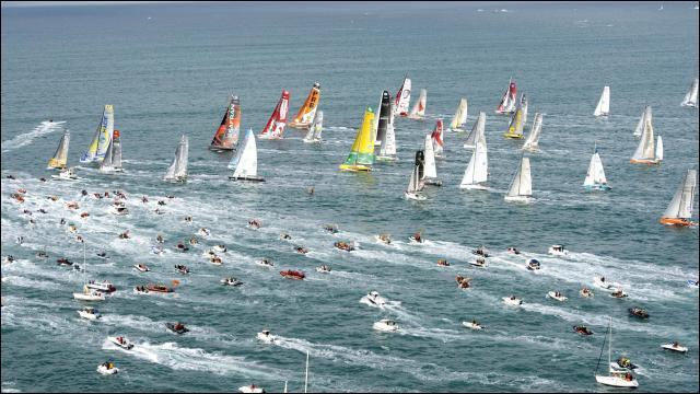 """La """"Route du Rhum"""" est une célèbre course de bateaux. Quel océan est traversé durant cette course ?"""