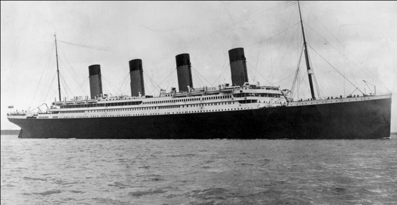 """En quelle année le célèbre paquebot """"Titanic"""" a-t-il fait naufrage ?"""