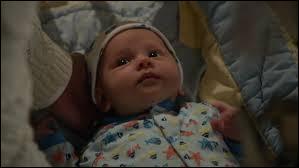 Mary Margaret (Blanche-Neige) accouche d'un petit garçon lors de la saison3 ; comment s'appelle-t-il et pourquoi ?