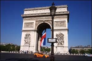 Quelle place de Paris était anciennement appelée place de l'Etoile ?