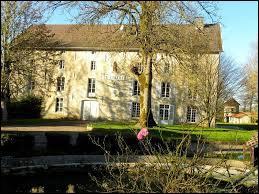 Petit village Haut-Marnais de 31 habitants, Aizanville se situe en région ...