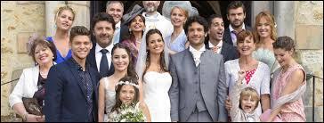 Qui amène Clem à l'hôtel, lors de son mariage ?