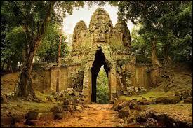 Bonjour, je m'appelle Meng, je viens du Cambodge, mon ethnie est dominante au Cambodge et notre langue porte même son nom. Mon ethnie est celle des :