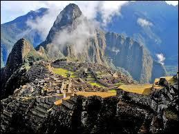 Bonjour, je m'appelle Ima, je viens du Pérou, mon ethnie est ancienne mais très connue dans le monde entier surtout grâce au Machu Picchu. Mon ethnie est celle des :