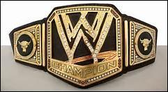 Quel a été le plus jeune champion de la WWE World Heavyweight Championship ?