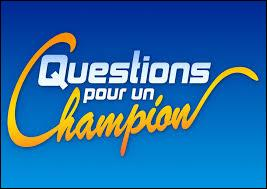 """Combien y a-t-il de candidats lors de la première manche du jeu télévisé """"Questions pour un champion"""" ?"""