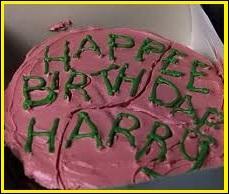 Cinéma - Qui offre ce gâteau d'anniversaire au personnage principal ?