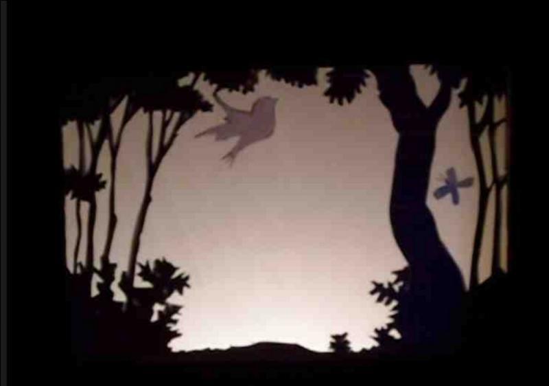 Dans quel pays le théâtre d'ombres trouve-t-il ses origines ?