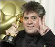 De quel acteur Pedro Almodovar a-t-il lancé la carrière (7 films dont 5 dans les années 80) ?
