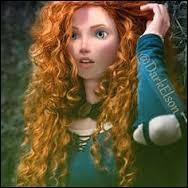 Je suis Écossaise, je tire à l'arc, je suis rousse et à cause de moi ma mère s'est transformée en ours. Qui suis-je ?