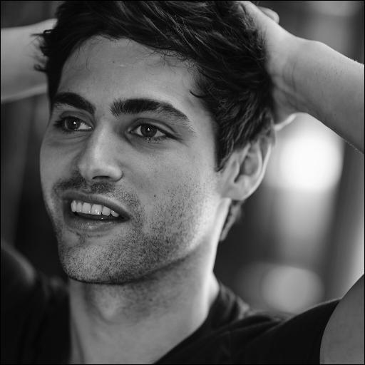 Avec qui Alec se marie-t-il ?