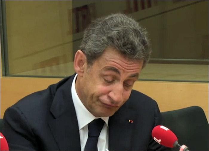 """Complétez ce conseil très pertinent de Nicolas Sarkozy : """"C'est pas parce que vous voulez renverser la table que vous descendez de..."""""""