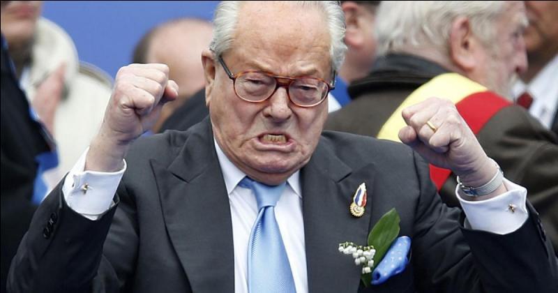 À quoi Jean-Marie Le Pen a-t-il demandé vainement de l'aide en 2015 ?