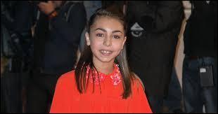 """C'est la gagnante de """"The Voice Kids 1"""", avec """"Éblouie par la nuit"""" de Zaz. Qui est cette jeune fille discrète ?"""