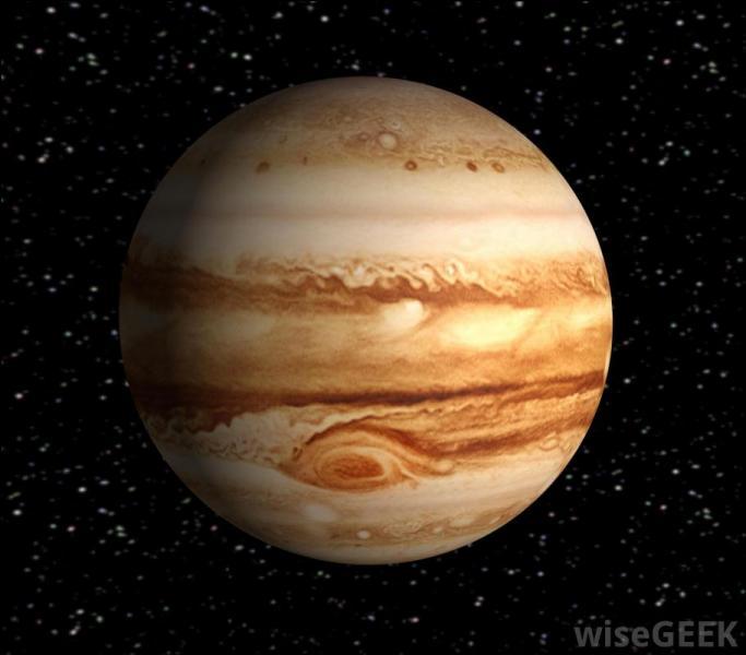 La plus grande planète de la Voie lactée est :