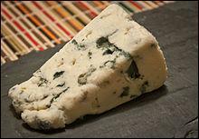 Fromage à pâte persillée élaborée exclusivement avec des laits crus de brebis - première appellation d'origine (AO) reconnue en 1925 - souches de micro-organismes Penicillium