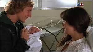 Comment Clem et Julien appellent-ils le bébé ?