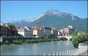 L'Isère et le Jura. La somme de leurs numéros est...