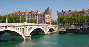 Le Rhône et l'Aude. La somme de leurs numéros est...