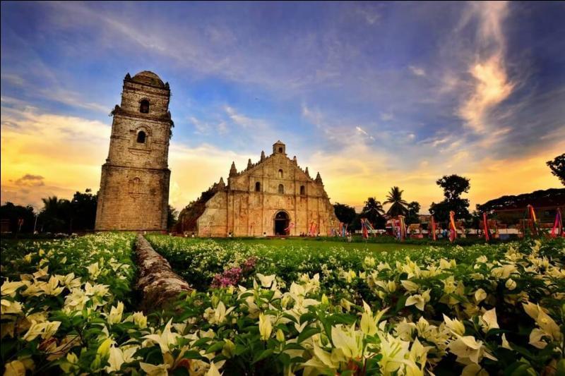 San Agustin est l'une des rares églises baroques subsistant dans la ville de Paoay. Dans quel pays ?