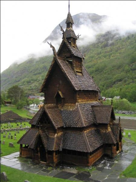 La Stavkirke de Borgund (Norvège) est l'une des plus étonnantes du pays. Quand a-t-elle été construite ?
