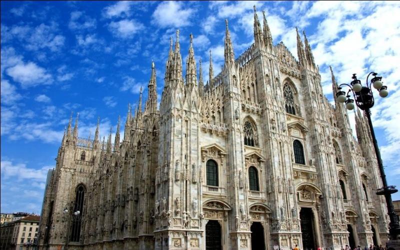 Le Dôme de Milan est la --- plus grande église d'Europe. (Complétez ! )