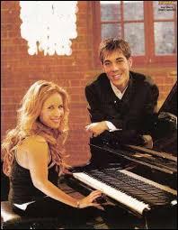 """En 2006, avec quelle chanteuse a-t-il fait un duo sur la chanson """"Même si (What you're made of) ?"""