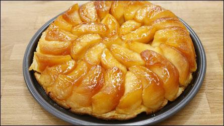 Quelles soeurs qui tenaient un restaurant à Lamotte-Beuvron ont donné leur nom à une tarte aux pommes renversée ?