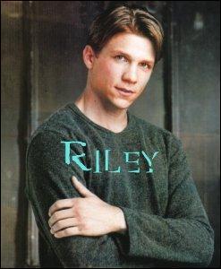 Qui joue Riley ?