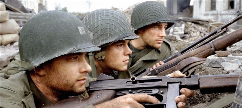 """Dans le film """"Il faut sauver le soldat Ryan"""", il y a de nombreuses erreurs. Parmi ces passages du film, lequel n'est pas une erreur ?"""
