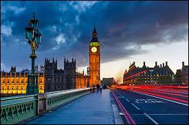 Voici une ville britannique de toute beauté, siège du Commonwealth en avril 2016. Au XIXe siècle, la ville que vous devez trouver dans cette question était la ville la plus peuplée du monde. Quelle est-elle ?