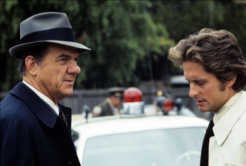 Quelle est cette série avec Karl Malden et Michael Douglas ?