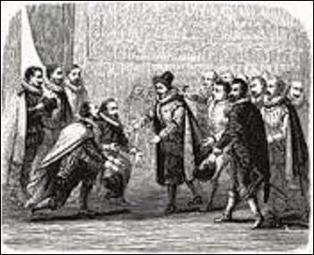27 décembre 1594, Paris, un jeune homme âgé de 19 ans, s'introduit dans l'hôtel de Gabrielle d'Estrées (favorite du roi Henri IV) lors d'une audience royale. Alors que le souverain se baisse pour relever deux officiers qui sont à ses genoux, ce dernier lui donne un coup de couteau, le blessant à la lèvre. Arrêté, il est condamné pour régicide et écartelé le 29 décembre. Mais quel est le nom du tueur ?