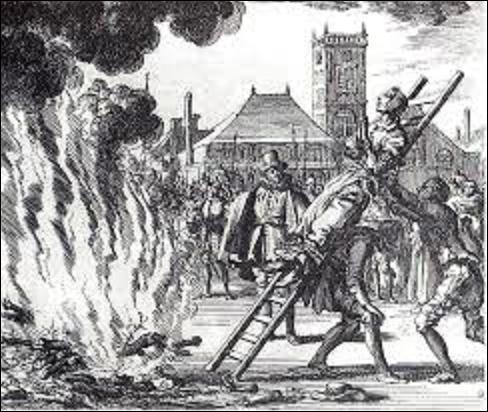"""Franche-Comté, 1598, une femme est accusée de sorcellerie et condamnée au bûcher. Elle aurait rendu impotente de tous ses membres une fillette de huit ans, du nom de Louise Maillat, en lui offrant """"une croûte de pain ressemblant à du fumier"""". La gamine s'en fut trouvée possédée par cinq démons à la fois. Mais comment s'appelle cette triste dame qui confessa s'être """"baillée"""" au diable ?"""