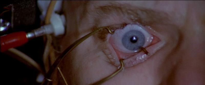 Quand le méchant se fait torturer pour son bien...Quel est ce film de Stanley Kubrick ?