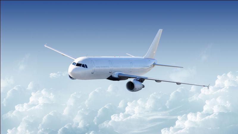 Les avions volent à une altitude d'environ 10 km pour faire face à une pression atmosphérique moindre qu'à l'altitude 0. Est-ce vrai ou faux ?